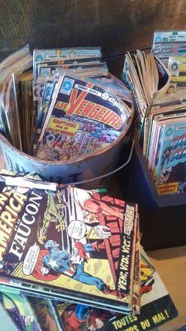 Comic books, tout le lot de 218 / Entire lot of 218 comic books (in french)