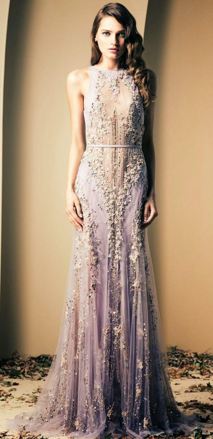 WEDDINGS              Novias del 2015     Este año quiero ver:       Novias atrevidas con vestidos de estilo barroco       Valentino ...