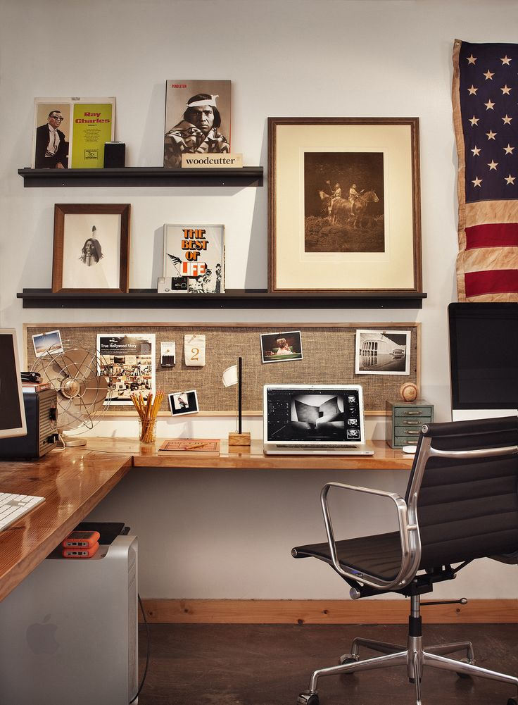 Love the framed horizontal pin board above the desk