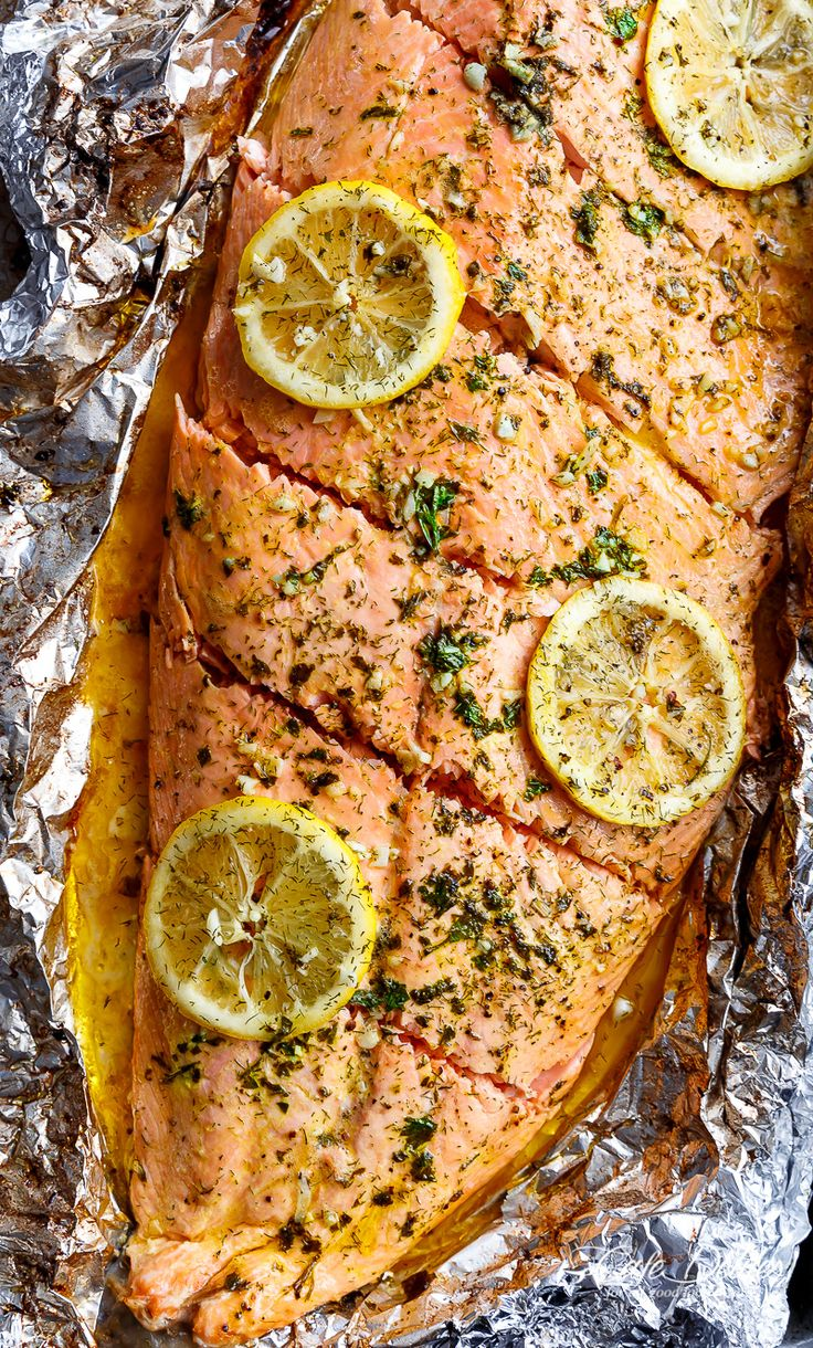 Lemon Butter Garlic Salmon with only a handful of ingredients, with maximum taste and minimal clean up! With fresh herbs and incredible flavour!