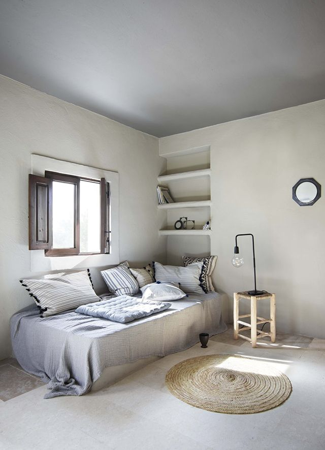 Light grey ceiling and white walls