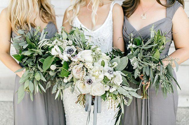 Urban Garden Wedding // Emily Wren Photography  https://greenweddingshoes.com/effortlessly-elegant-urban-garden-wedding-jana-peter/