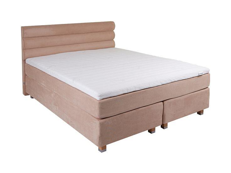 Łóżko kontynentalne Original- na komfortowy sen pracują aż trzy warstwy materacy idealnie dopasowanych do potrzeb użytkownika. Wygoda i poczucie miękkości to z pewnością najważniejsze cechy tego łóżka. O efekt wizualny możesz zadbać sam wybierając odpowiednie wezgłowie, tkaninę i jej kolor.