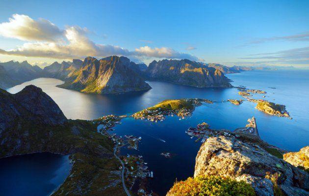 Reinebringen hike Lofoten