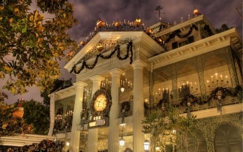 Disneyland Halloween Haunted Mansion