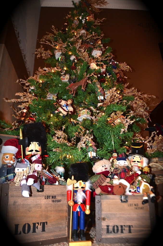 Old toy Christmas tree