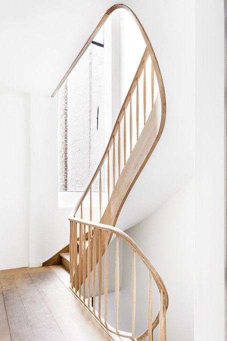 My heart is in a spin. It must be love. Staircase by Belgian AIDarchitecten .