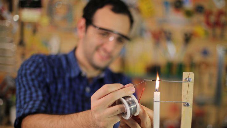 Aprenda como juntar pequenos fios e inventar novas engenhocas com o nosso ferro de solda caseiro!