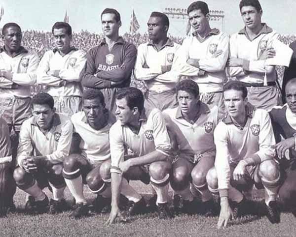 Equipo de Brasil campeón del Mundo después de derrotar a Checoslovaquia en la final por 3-1.