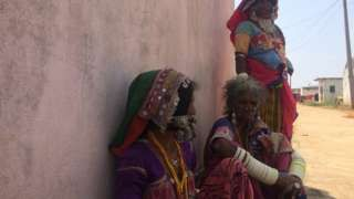 India's highway of death creates village of widows - BBC News