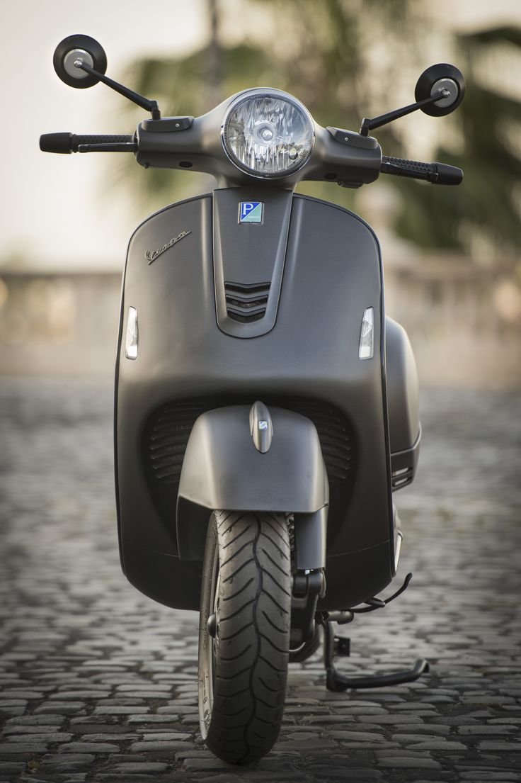 Vespa Bagheera GTS 300 i.e. - The best customized Vespa in the world. Every  piecesarefrom other models ofPiaggio Group.