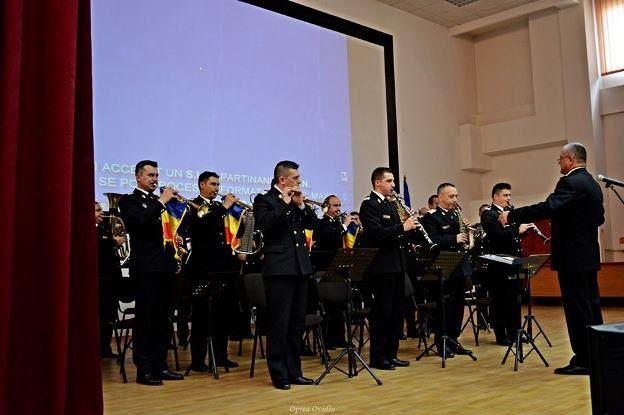 Ziua Veteranilor din teatrele de operatii a fost sarbatorita și la Constanta printr-un moment artistic deosebit, cu sprijinul Fortelor Navale Romane si a Cercului Militar.