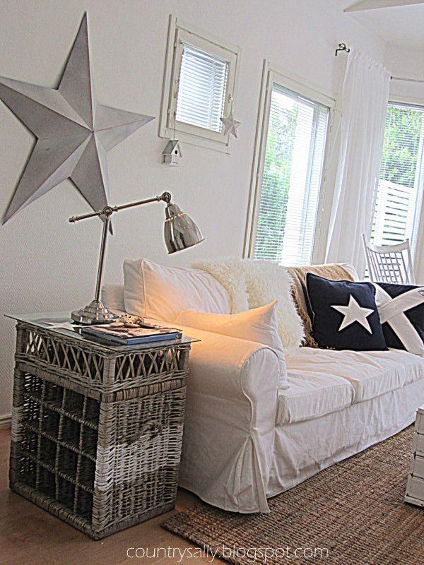 Scandinavian new england style livingroom love the star for New england style living room ideas