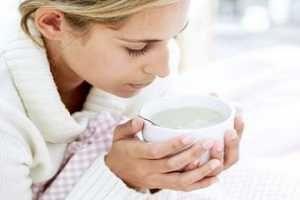 Ciertos alimentos ayudan a prevenir estados gripales o catarrales así como también ayudan a aliviar los síntomas si ya se ha desarrollado la enfermedad. SIGUE LEYENDO EN: http://alimentosparacurar.com/n/160/la-alimentacion-durante-el-resfriado.html