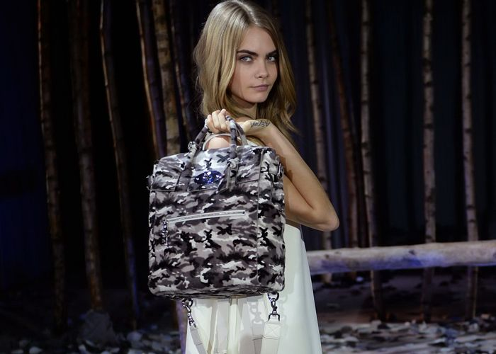 Take a close-up look at Cara's collection for Mulberry - graziadaily.co.uk - www.hiphunters.com