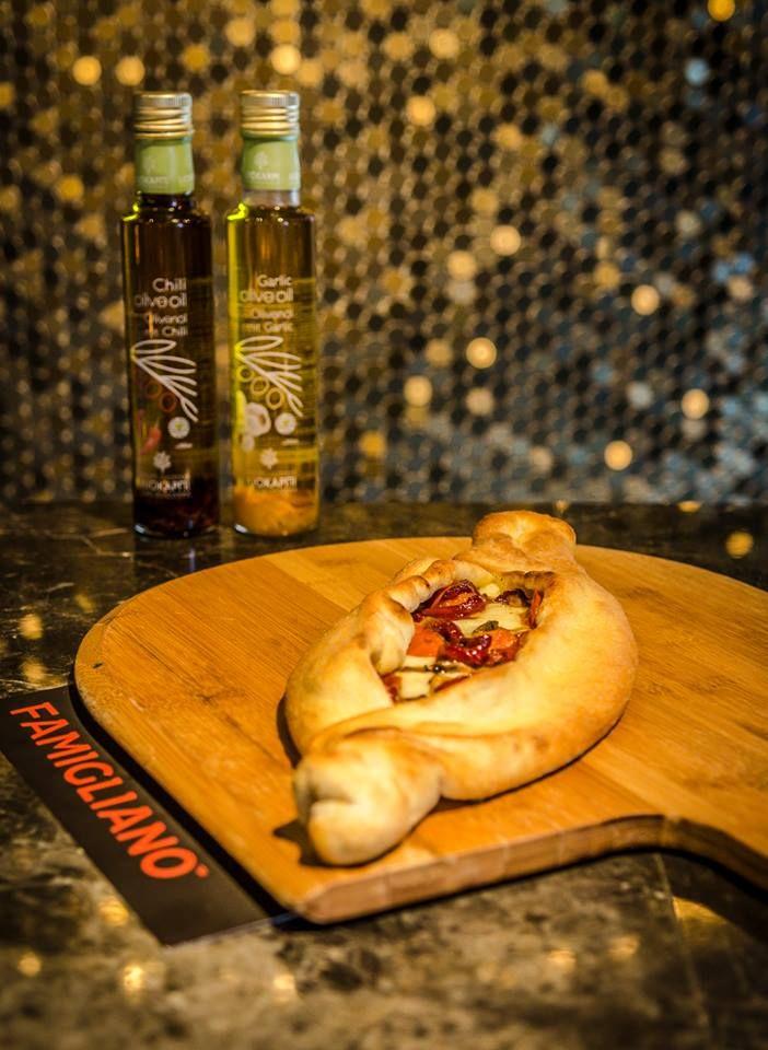 Το βασικότερο γεύμα της ημέρας είναι το πρωινό... απολαύστε το μαζί με το πρωινό σας καφεδάκι στο πιο όμορφο σημείο της πόλης!   #Famigliano #Handmade_Happiness #Pizza #Pasta #Burgers #Focaccia #Sweets_and_Coffee #Λευκός_Πύργος