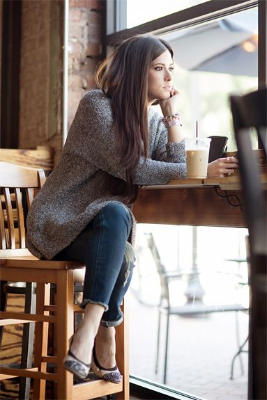 What Should I Wear to A Coffee Shop Meeting? fashion and coffee moments.