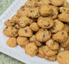 Wally Amos' Chocolate Chip Macadamia Nut Cookies Watch the iconic Wally Amos make his world-famous chocolate chip-macadamia nut cookes. You ...