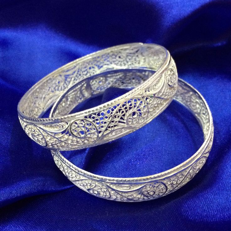 Silver Bangles in Filigree handcrafted in Cuttack by Silver Linings