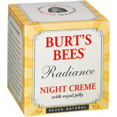 【バーツビーズ ラディアンス ナイトクリーム】寝ている間に栄養補給する保湿クリームです。翌朝のお肌に輝きを。リッチな使用感の夜用クリームです。寝ている間にローヤルゼリーがお肌に栄養を補給。アーモンドオイル・シアバター配合で、しっとり潤います。ローズマリーエキスとパインツリーエキスはお肌に活力を与えてくれます。その他、ハーブやフルーツなど植物成分を多数配合しています。