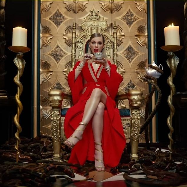 Taylor Swift Look What You Made Me Do music video still