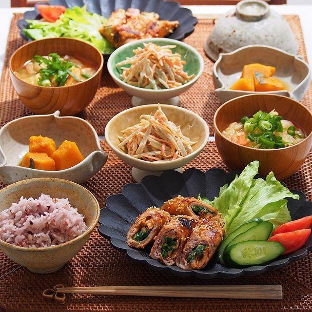 2016/3/2 水 #晩ごはん ・ ✳︎キムチとニラの豚肉巻き ✳︎ごぼうと人参のサラダ ✳︎かぼちゃの煮物 ✳︎キャベツと人参、しめじのお味噌汁 ・ でした(∗ˊ꒵ˋ∗) ・ コメントお返しお休みします いつもありがとうございます☺️ ・