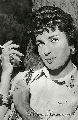 Silvana Pampanini (Roma, 25 settembre 1925) è un'attrice  #TuscanyAgriturismoGiratola