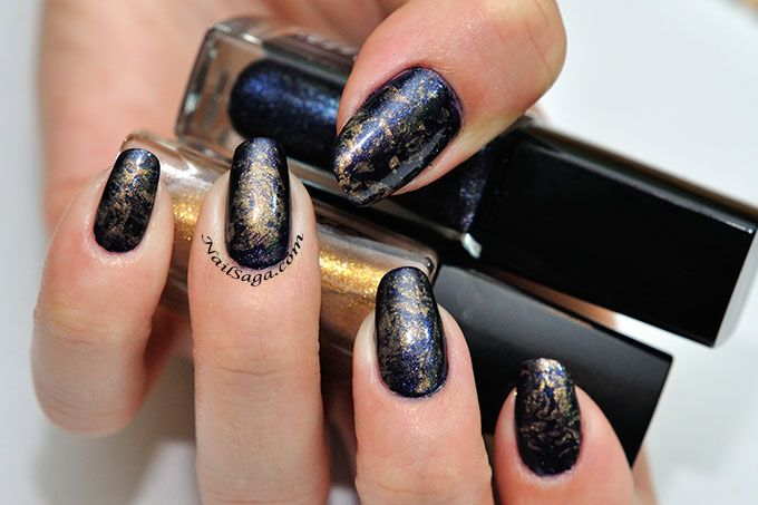 Navy blue & gold nails