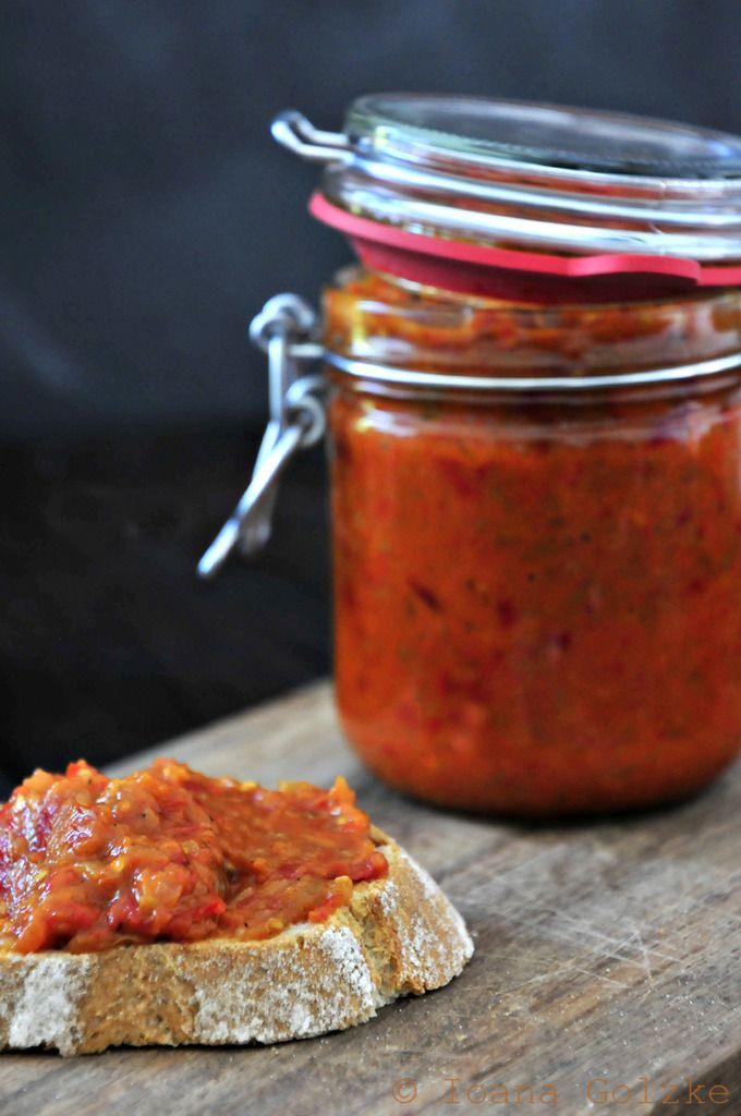 miss red fox: Rezept des Monats Oktober - Zacusca (Rumänischer Gemüseaufstrich)