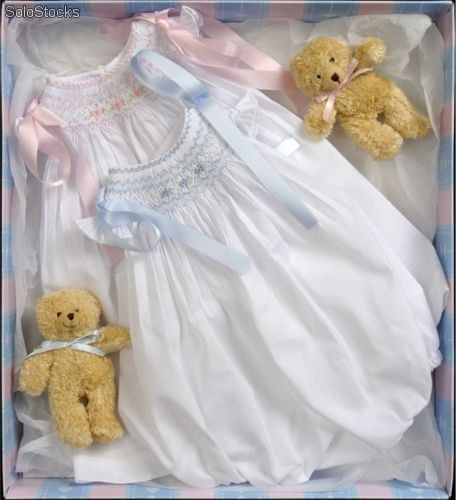 really love this smocked bubble!  http://www.solostocks.com/img/ranita-jesusito-rosa-celeste-6784405z0.jpg