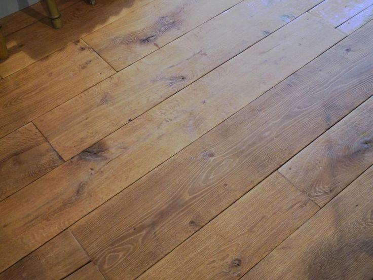 <div class='infos_produit'><span class='nom_produit'>Havana Antique Finish new French oak floor boards</span><span class='favori_produit' id='3213' est_favori='0'><span class='etoile'></span>Add to bookmark</span></div>