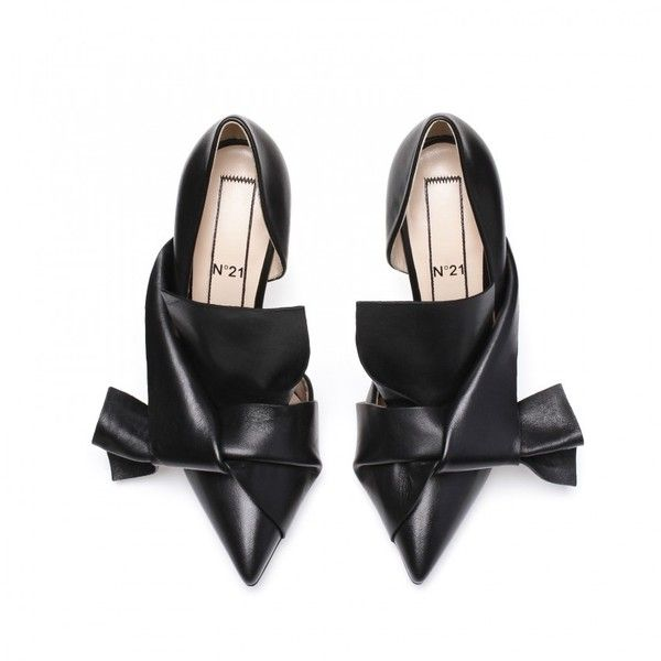 Black calf leather bow pumps ($550) ❤ liked on Polyvore featuring shoes, pumps, black court shoes, summer footwear, bow shoes, calfskin shoes and black bow shoes