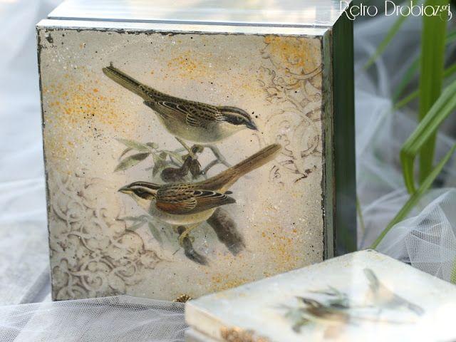 Decoupage box withe bird, vintage