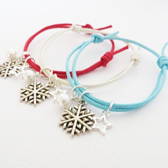 Perfect stocking fillers, secret santa presents or even posh cracker gifts! These Christmas Snowflake friendship bracelets are available in a choice of 13 cotton cord colours. Wholesale orders welcome. #Wholesale #corporategift