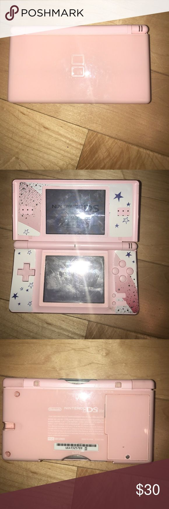 Nintendo DS Lite Doesn't come with stylist comes with cooking mama 2 game and charger Nintendo Other