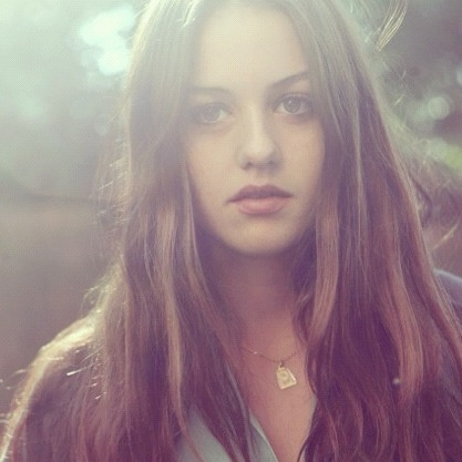 Isabelle Cornish, Austrlian actor and model, most famously known for her role in puberty blues and home and away (*source unknown)
