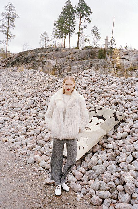 Anne Törnroos/ Styling, Fashion editorial, Ulap Magazine, model, film photography, fur, grey, minni havas, photo: Andrei Kipahti