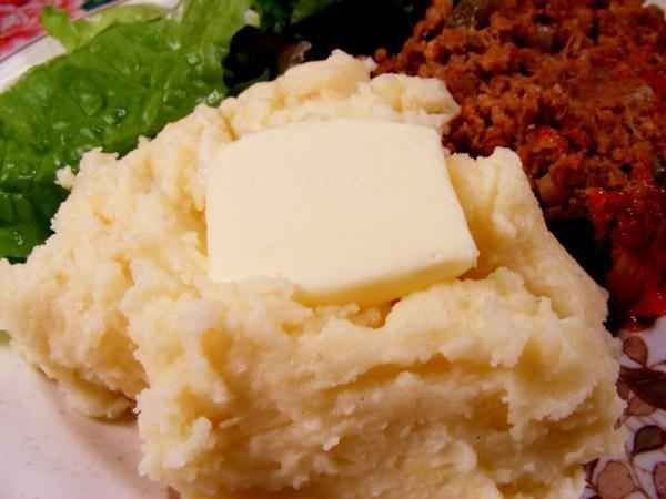 White Cheddar Mashed Potatoes | 17 Red Lobster Recipes In Case The Seafood Chain Goes Away Forever
