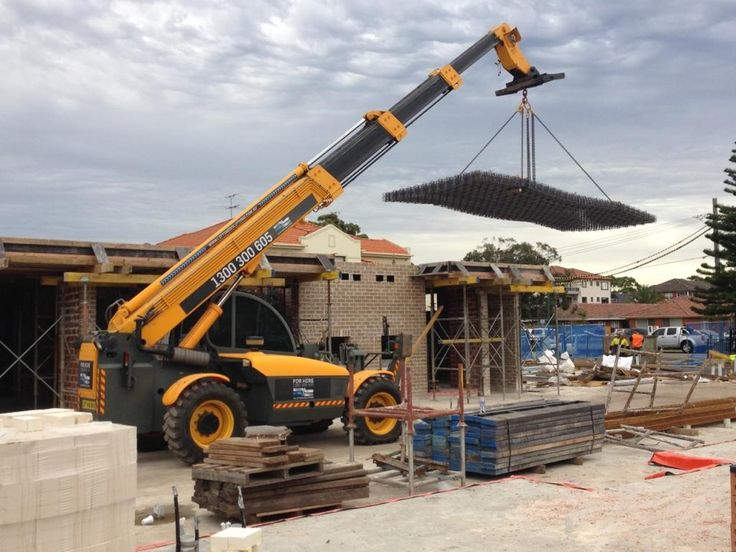 Lifting Rio at a jobsite in Sydney