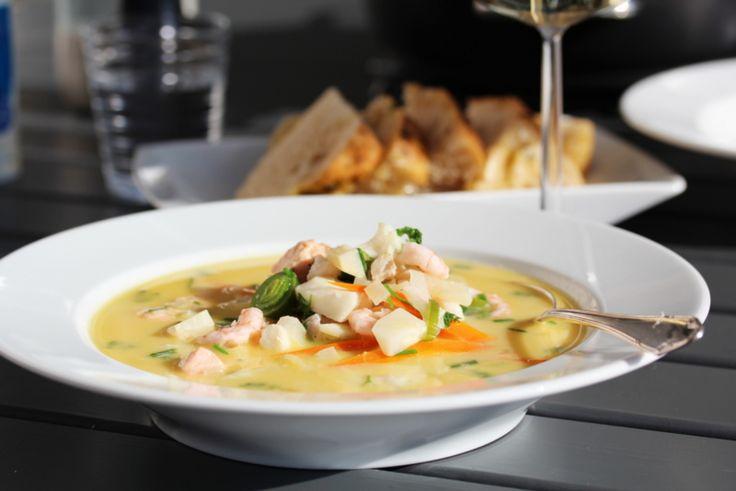 """""""Verdens beste fiskesuppe"""": Dette er virkelig sant. Suppa var lettvint. Jeg brukte bare sei. Ingen Kremfløte (ekstra lettmelk), ingen gulrot eller friske urter. ENDA var fiskesuppa supergo'. Absolutt fristende til gjentakelse"""