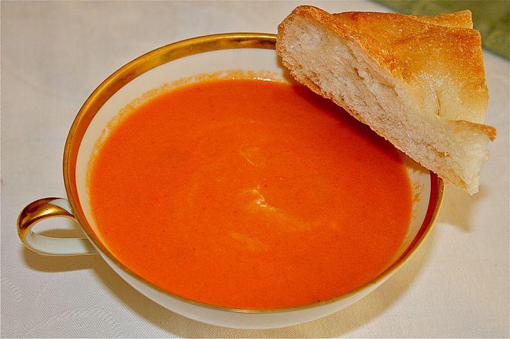 Die beste Tomatencremesuppe, ein raffiniertes Rezept aus der Kategorie Gebundene. Bewertungen: 40. Durchschnitt: Ø 4,3.