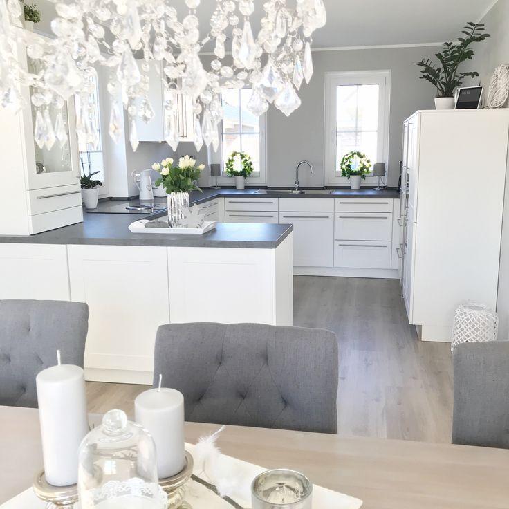 Instagram: wohn.emotion Landhausküche Küche modern grau weiß grau weiß