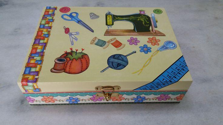 Caixa de costura marfim - www.elo7.com.br/esterartes