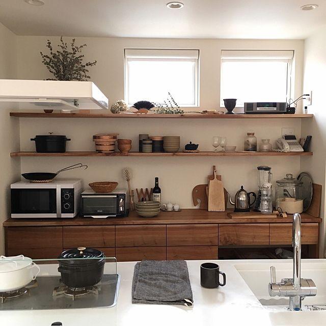 女性で、の無垢の床/パナソニックキッチン/二階リビング/オープン収納/シンプルな暮らし/無垢材…などについてのインテリア実例を紹介。「PCでみると、ごちゃついてきたのがよく分かる…」(この写真は 2017-04-17 11:07:19 に共有されました)