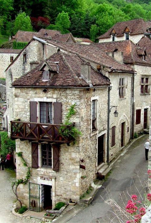 Saint-Cirq-Lapopie, France: Favorite Places, Medieval Village, Beautiful Places, Stcirq Lapopi, France, Saint Cirq Lapopi, French Village, Saintcirqlapopi, Stones House