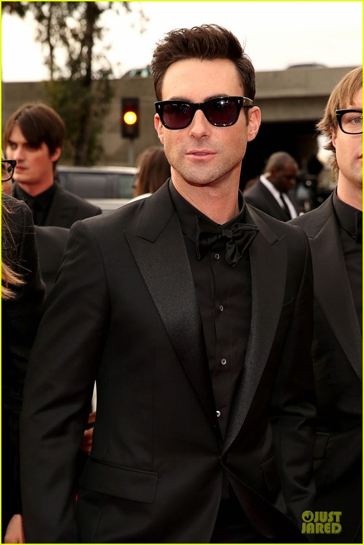 Adam Levine's whole look at the 2013 Grammys was fantastic.. especially his hair