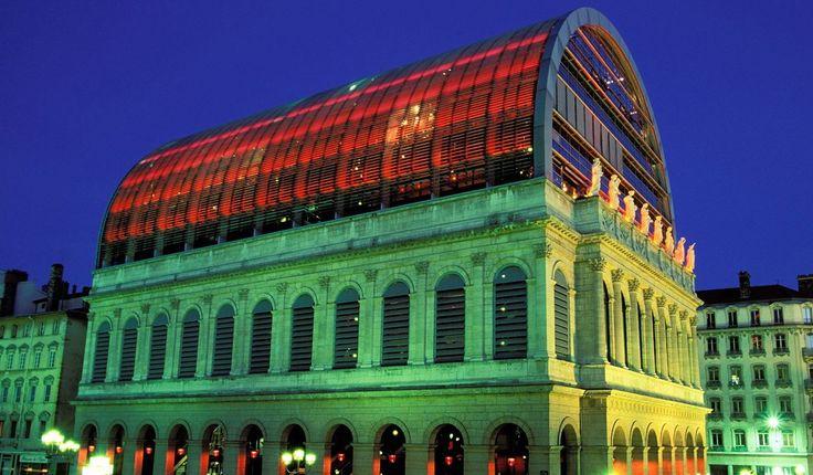 Opera House, Lyons 250 F/ART neon transformers