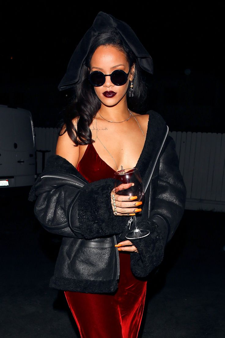 Rihanna : Photo ♡ Pinterest : @uniquenaja ♡