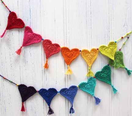 Crochet Heart Bunting made from Planet Penny Cotton Colours - free pattern - Penny has designed this to raise funds for Little Hearts Matter Charity