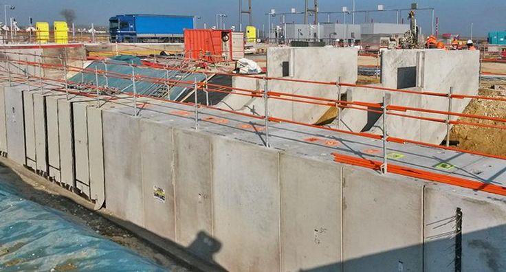Dans le cadre de l'amélioration de la sécurité pour le personnel de la gare de péage de Coutevroult (77 / autoroute A4), Chapsol réalise 139 m.l. de galerie péagère disposée sous les ilots.  Cette galerie est composée de 77 éléments de cadres monolithiques de section intérieure 2,00m. l. x 2,50m. ht. et de 13 trémies d'escalier préfabriquées.  Usine de préfabrication : usine Chapsol de Soissons (02).
